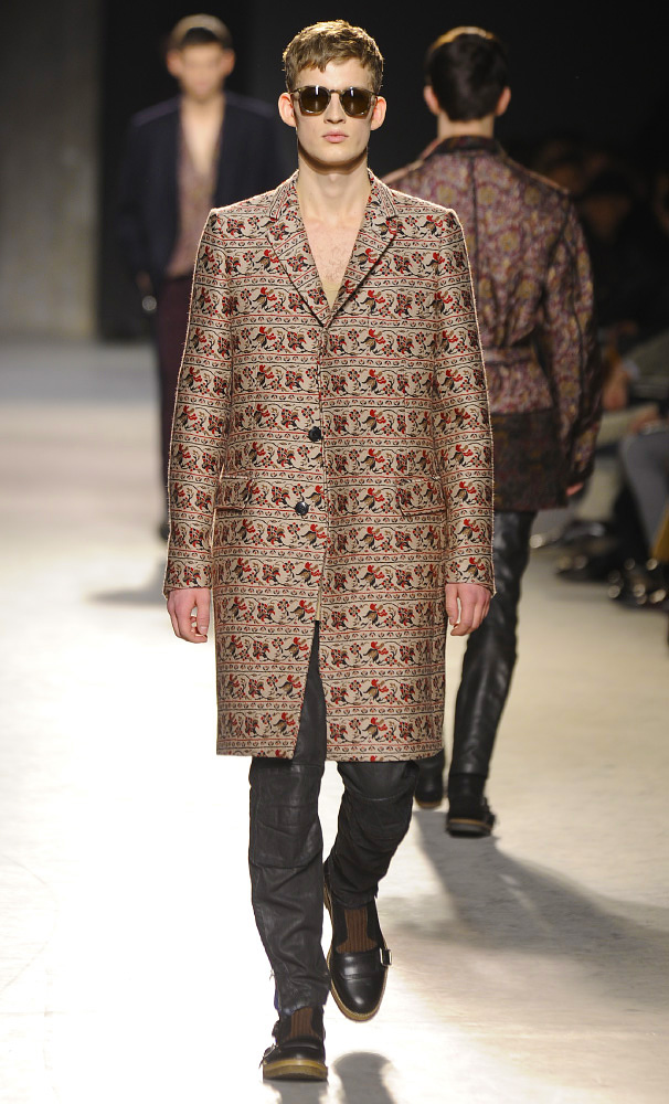 dries-van-noten-fall-winter-2013-14-menswear-collection-03