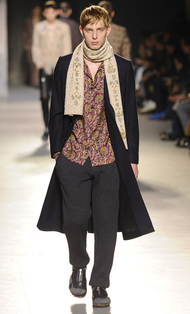 dries-van-noten-fall-winter-2013-14-menswear-collection-08