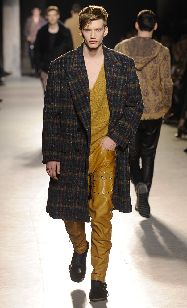 dries-van-noten-fall-winter-2013-14-menswear-collection-15