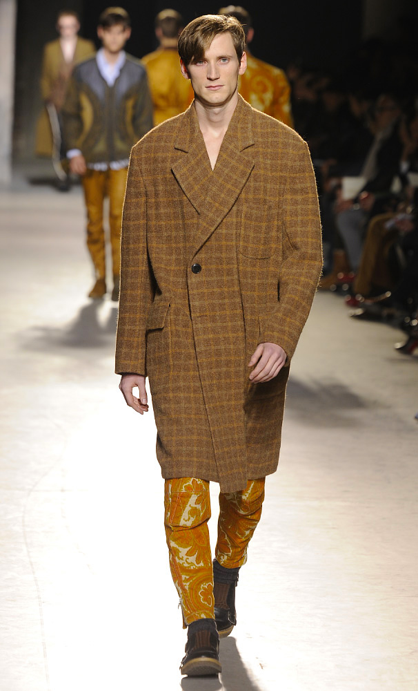 dries-van-noten-fall-winter-2013-14-menswear-collection-29