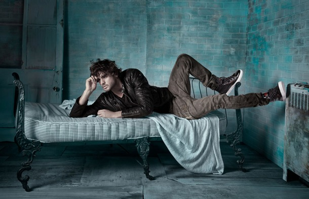 Model-Marlon-Teixeira-Browns-Shoes-FallWinter-2013-Dailymalemodels-02