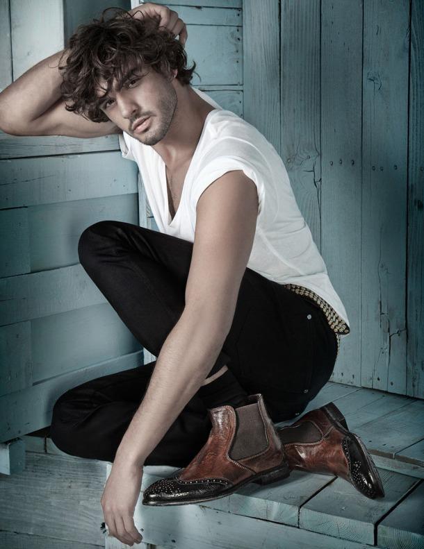 Model-Marlon-Teixeira-Browns-Shoes-FallWinter-2013-Dailymalemodels-04