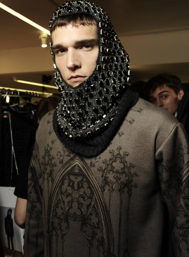 dolce-and-gabbana-fall-winter-2014-2015-men-fashion-show-models-backstage-photos-14