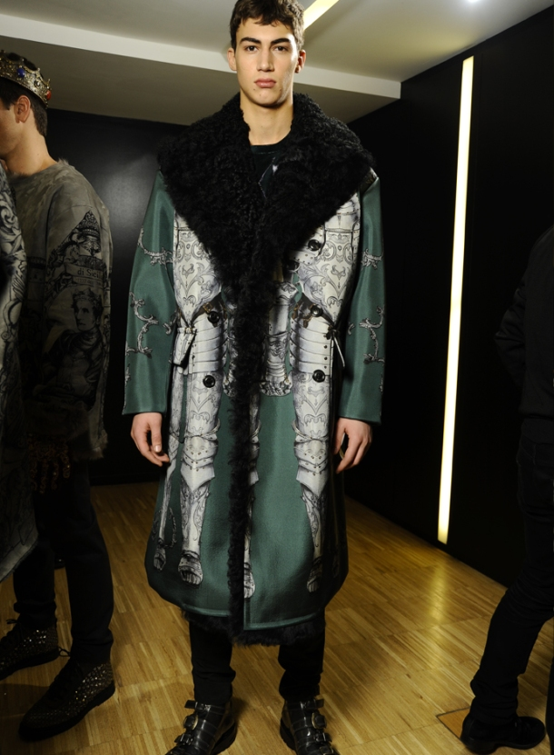 dolce-and-gabbana-fall-winter-2014-2015-men-fashion-show-models-backstage-photos-20