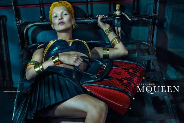 Kate-Moss-Alexander-McQueen-SS14-03