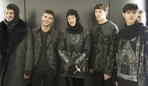 male-models-casting-backstage-dolce-and-gabbana-fall-winter-2014-2015-photos-49
